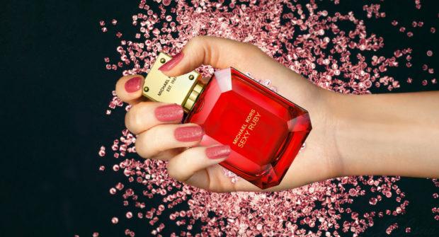 Michael-Kors-Sexy-Ruby-eau-de-parfum-open-1