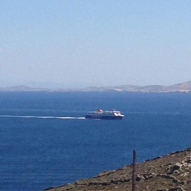 cyclades-boat