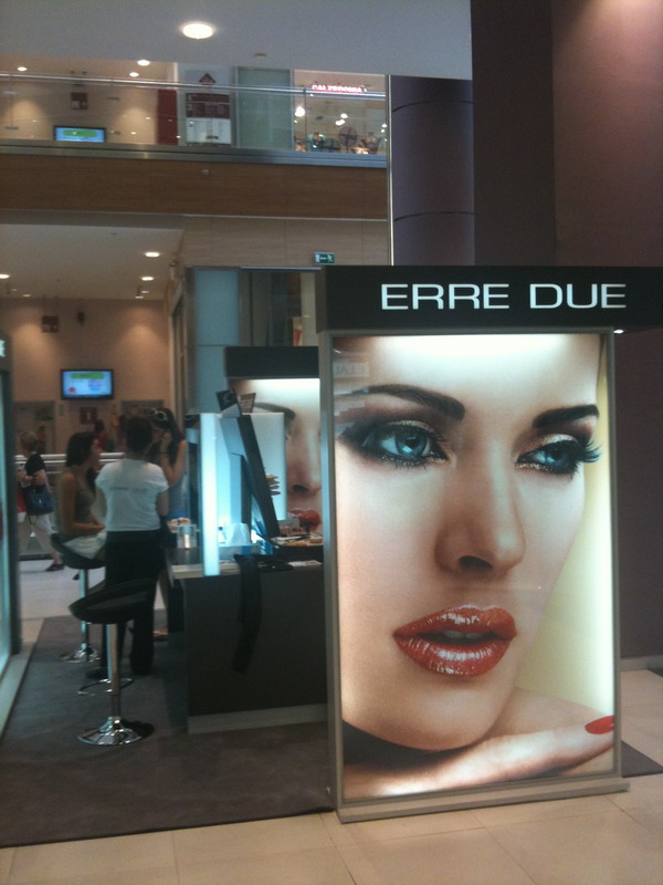 erre-due-stand