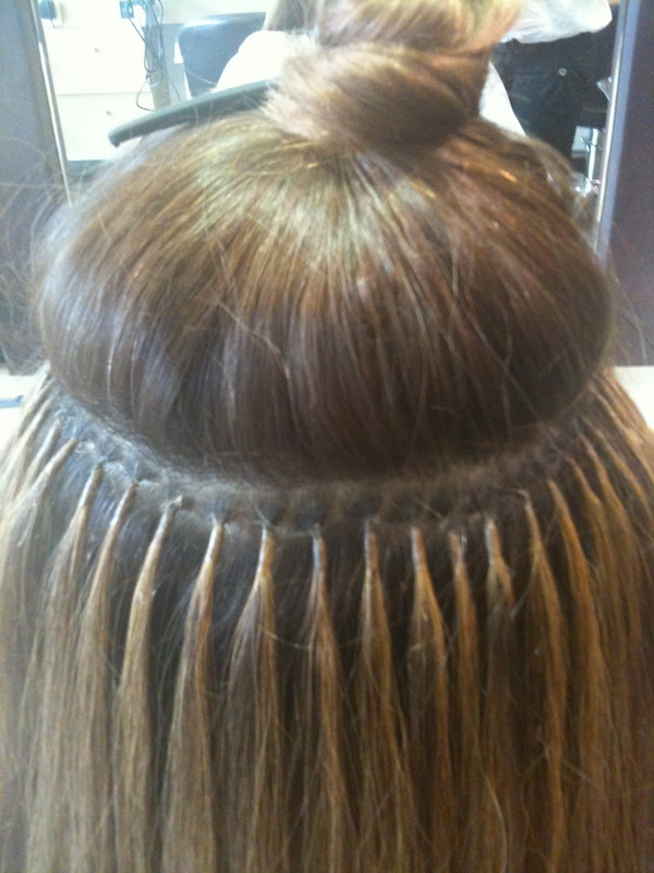 beautyexpert  exte topothetisi small Hair Extensions: Μακριά μαλλιά, η μεγάλη αλλαγή