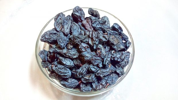greek-super-foods-black-raisins-stafides