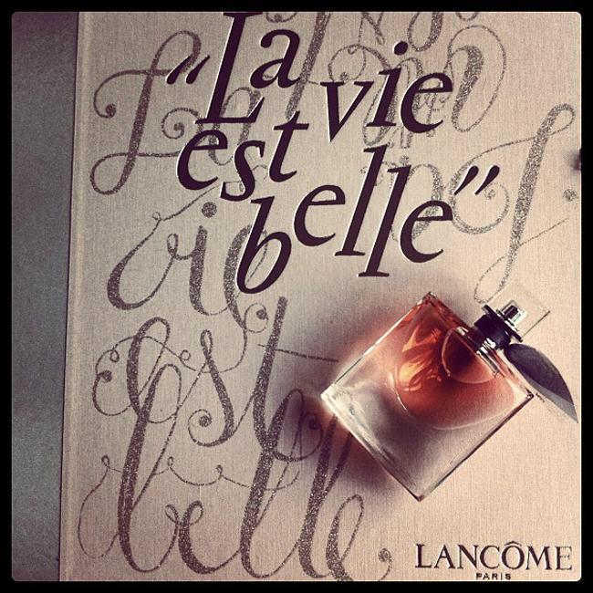 """beautynews  la vie est belle Lancome: """"La Vie est Belle"""", το νέο άρωμα..."""