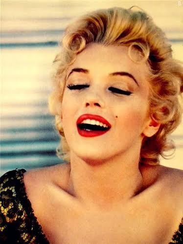 red-lipstick-marylin