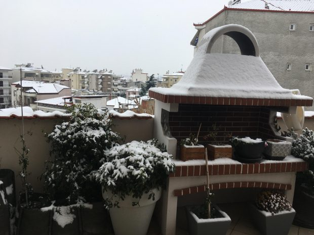 snow-in-greece