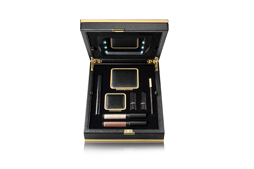 victoria-beckham-x-estee-lauder-2017fw-lit-beauty-box