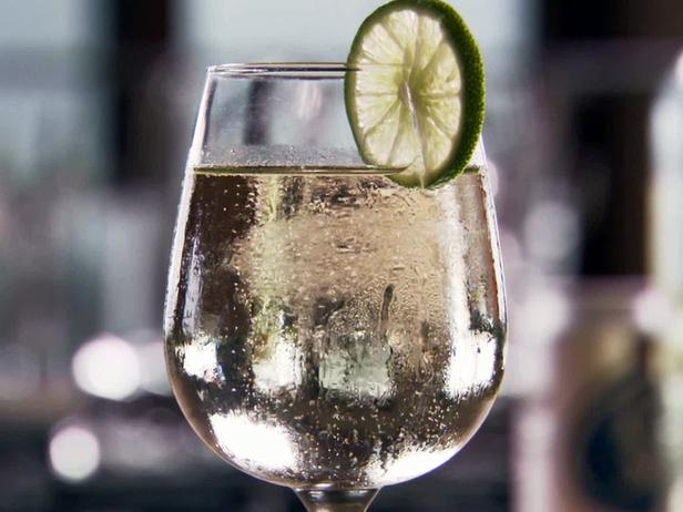 white-wine-spritzer-recipe